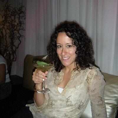The Wine Chica | Social Profile