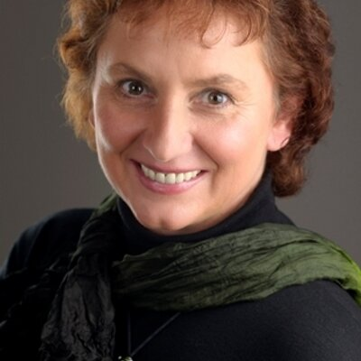 Vera Münch | Social Profile
