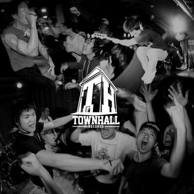 Townhall HQ | Social Profile