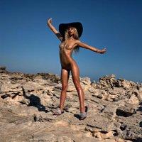 @bikini_angels