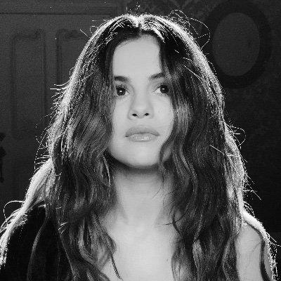 Selena Gomez'ın Twitter Profil Fotoğrafı