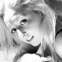 Zoe Anderson | Social Profile