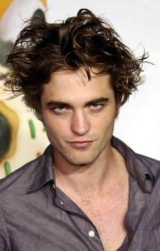 Robert Pattinson Fan Social Profile