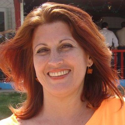 Eleonora Pamplona   Social Profile