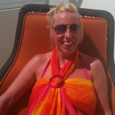 christine cunningham | Social Profile