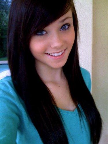 Caroline Social Profile