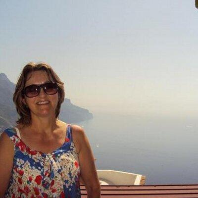 ludi bernardi | Social Profile