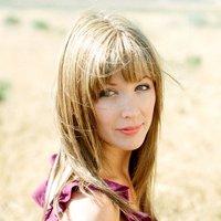 Ellen Wilcox | Social Profile