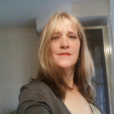 Lisa G Smith
