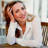 laura hillenbrand | Social Profile