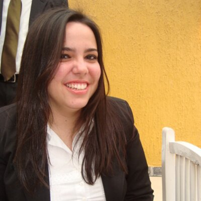 Flávia Calil   Social Profile