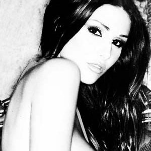 Lucy Pinder | Social Profile