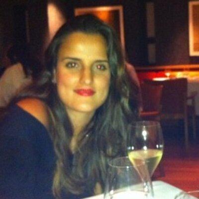 Manoela Whitaker | Social Profile
