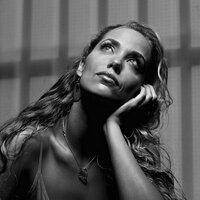 Elizabeth Berkley | Social Profile