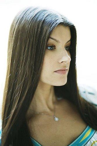 Britta Aragon Social Profile