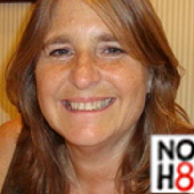 Debbie  | Social Profile