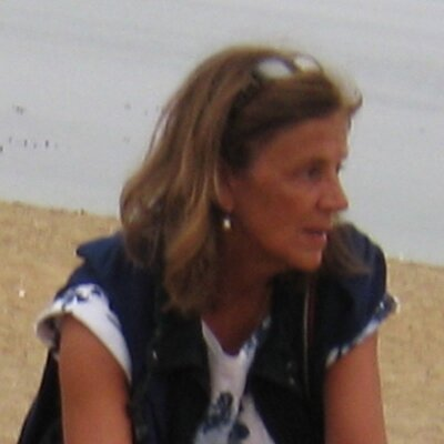 Alicia Davara | Social Profile