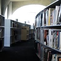 多摩美術大学図書館 Social Profile