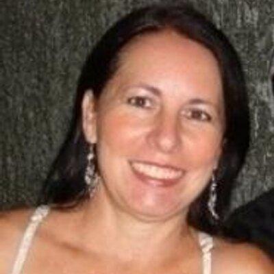 Diva Carvalho | Social Profile