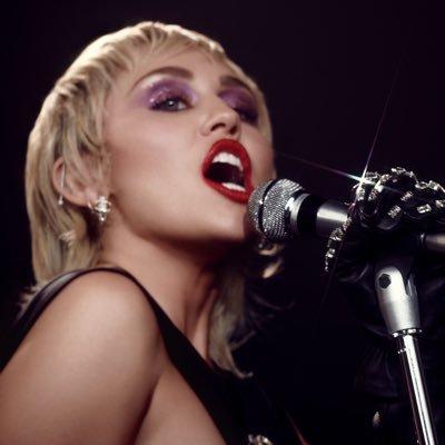 Miley Ray Cyrus  Twitter Hesabı Profil Fotoğrafı