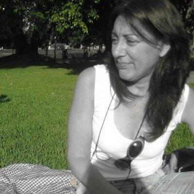 Gabriela Sellart | Social Profile