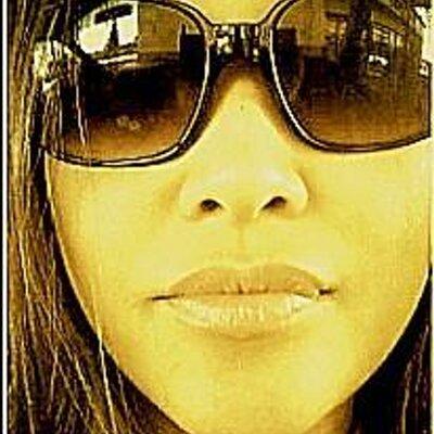 Elle Ferrer | Social Profile