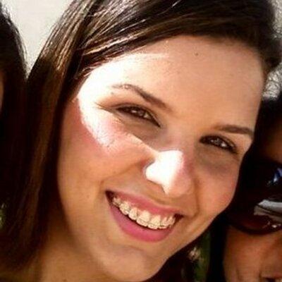 Raphaella Chaves | Social Profile