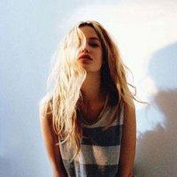 Hayley M | Social Profile