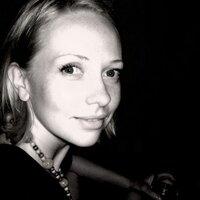 Anna Blue | Social Profile