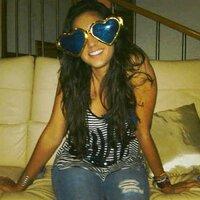 Gina Viveros  | Social Profile