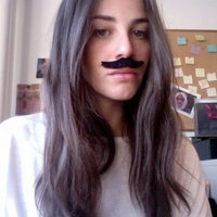 Lara | Social Profile