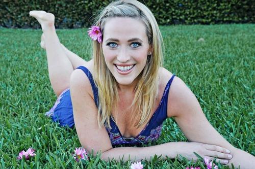 Tara Costa Social Profile