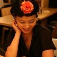 Vivian Wonderland   Social Profile