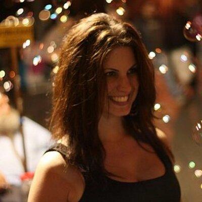 Rayna Schwartz | Social Profile
