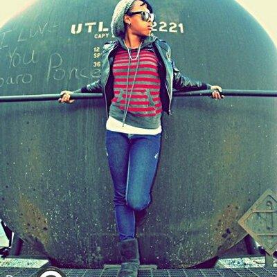 Ruthie V. | Social Profile