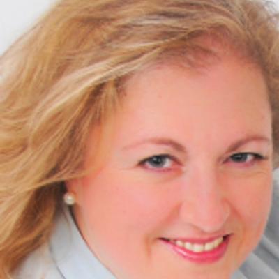 Helena Aramendia | Social Profile