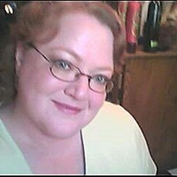 Suzanne Shaw | Social Profile