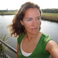 Ingrid D. Roefs | Social Profile