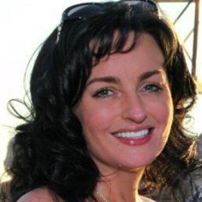 Amanda K Schalau | Social Profile