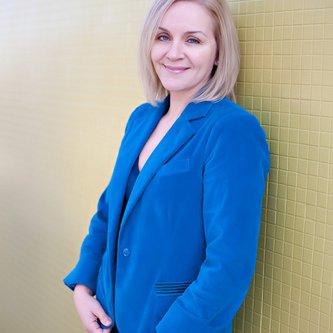 Andrea Olson | Social Profile