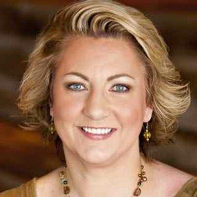 Jennifer Schuchmann | Social Profile
