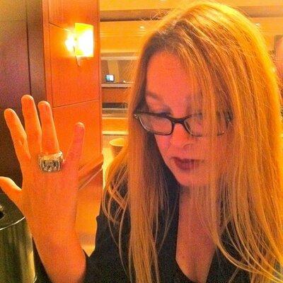 Liz Mullen | Social Profile