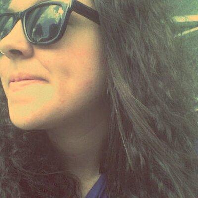 Katlen Rodrigues | Social Profile