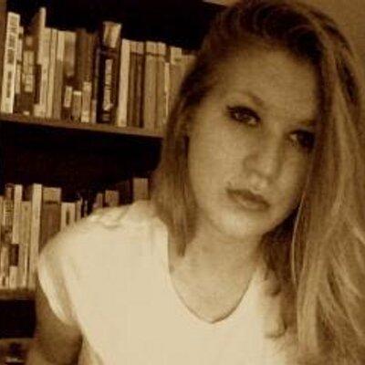 Laura Hallman | Social Profile