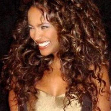 Minaya Brown | Social Profile