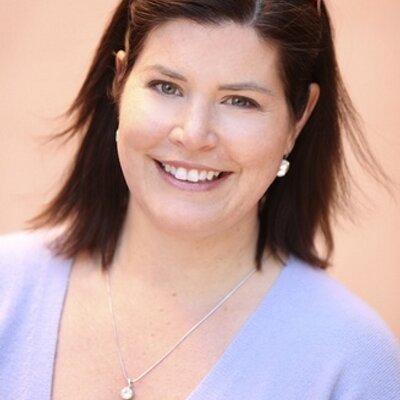 Laura Lowry | Social Profile
