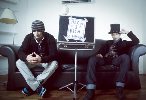 R.Hard & R.Herrera Social Profile