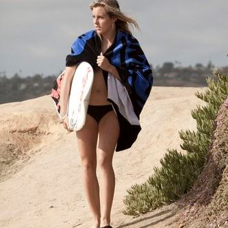 Leila Hurst | Social Profile