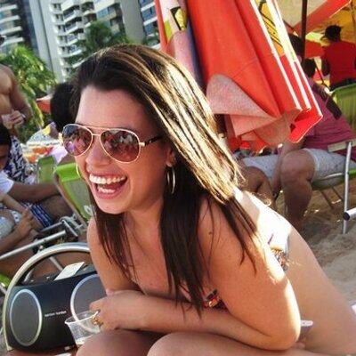 flavia freitas | Social Profile