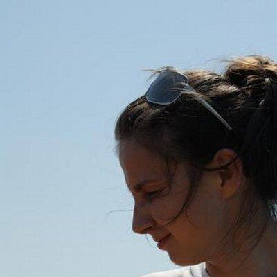 Nadya    Social Profile